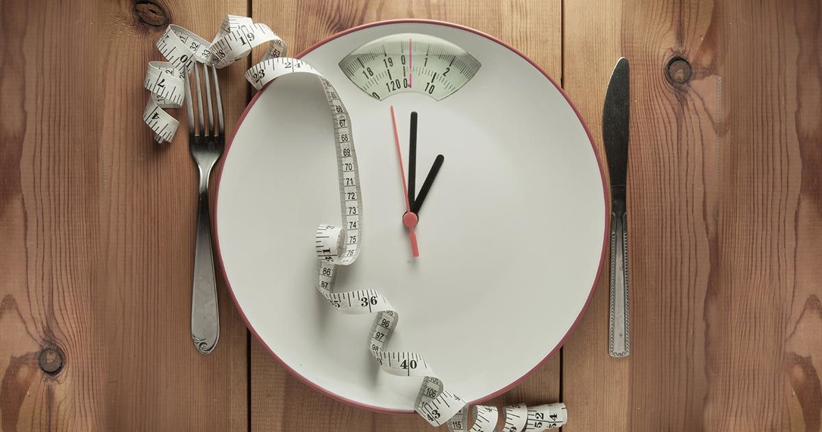 What is Intermittent Fasting? [Does it Work?]
